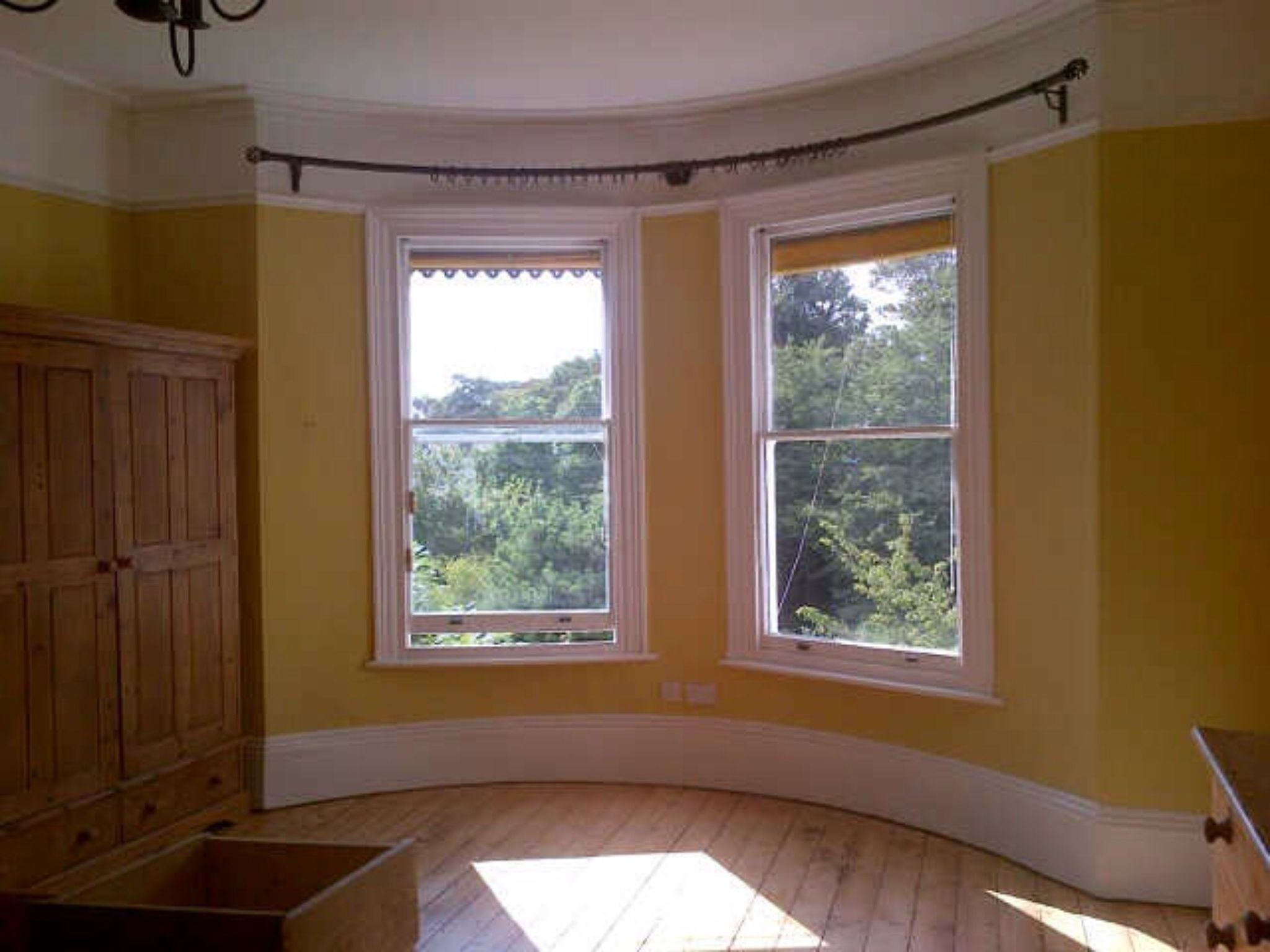 Curtain Pole For Curved Bay Window With Only Three Brackets