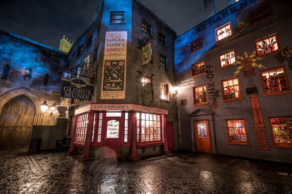 sugarplum 39 s sweet shop at the wizarding world of harry potter diagon alley harry potter. Black Bedroom Furniture Sets. Home Design Ideas