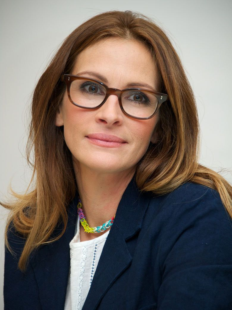8dfa382cd ... The Vintage Eyewear Trend is Back. Julia Roberts - Pretty Woman - still  pretty wearing glasses, too!