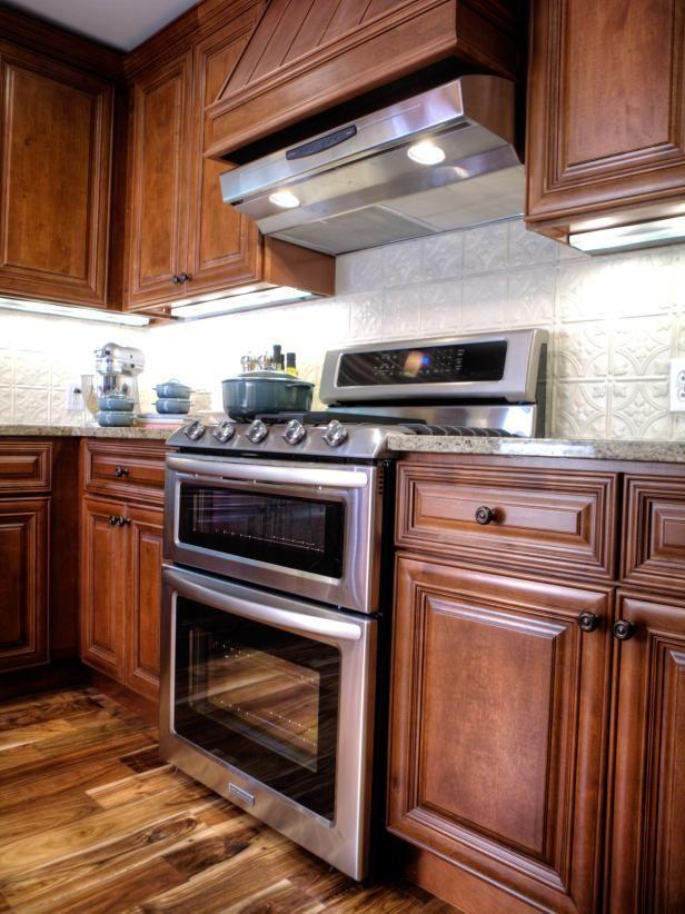 search viewer hgtv traditional kitchen backsplash dark wood kitchens light wood cabinets on kitchen cabinets light wood id=19885