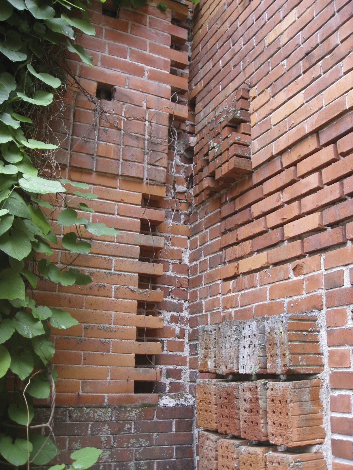 Alvar Aalto Experimented With Mixing Many Different Brick