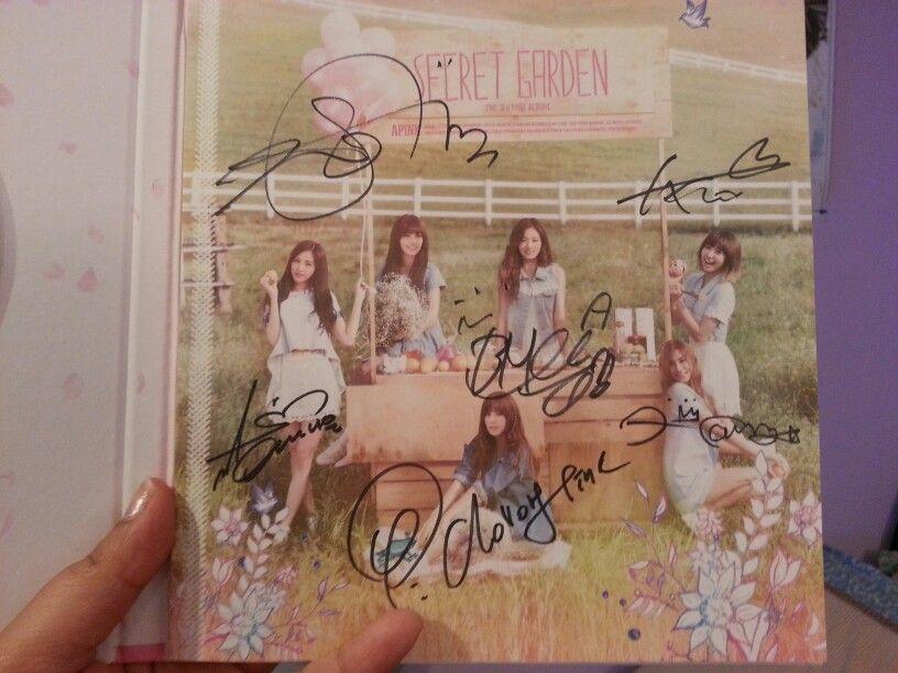 Apink Autographed Album
