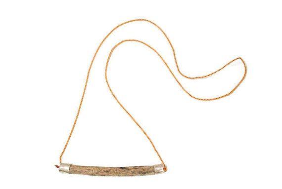 Colgante de madera de deriva y plata de ley hecho a mano. Para ella. Colgante boho chic. Collar Folk. Joyeria contemporanea