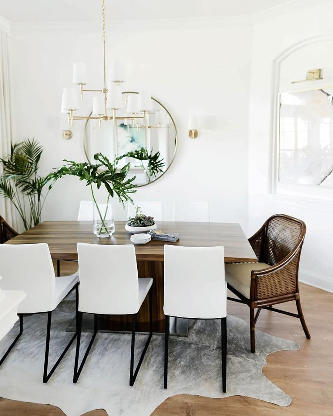 Shay Cochranes Gorgeous Neutral Dining Room Via @theeverygirl_