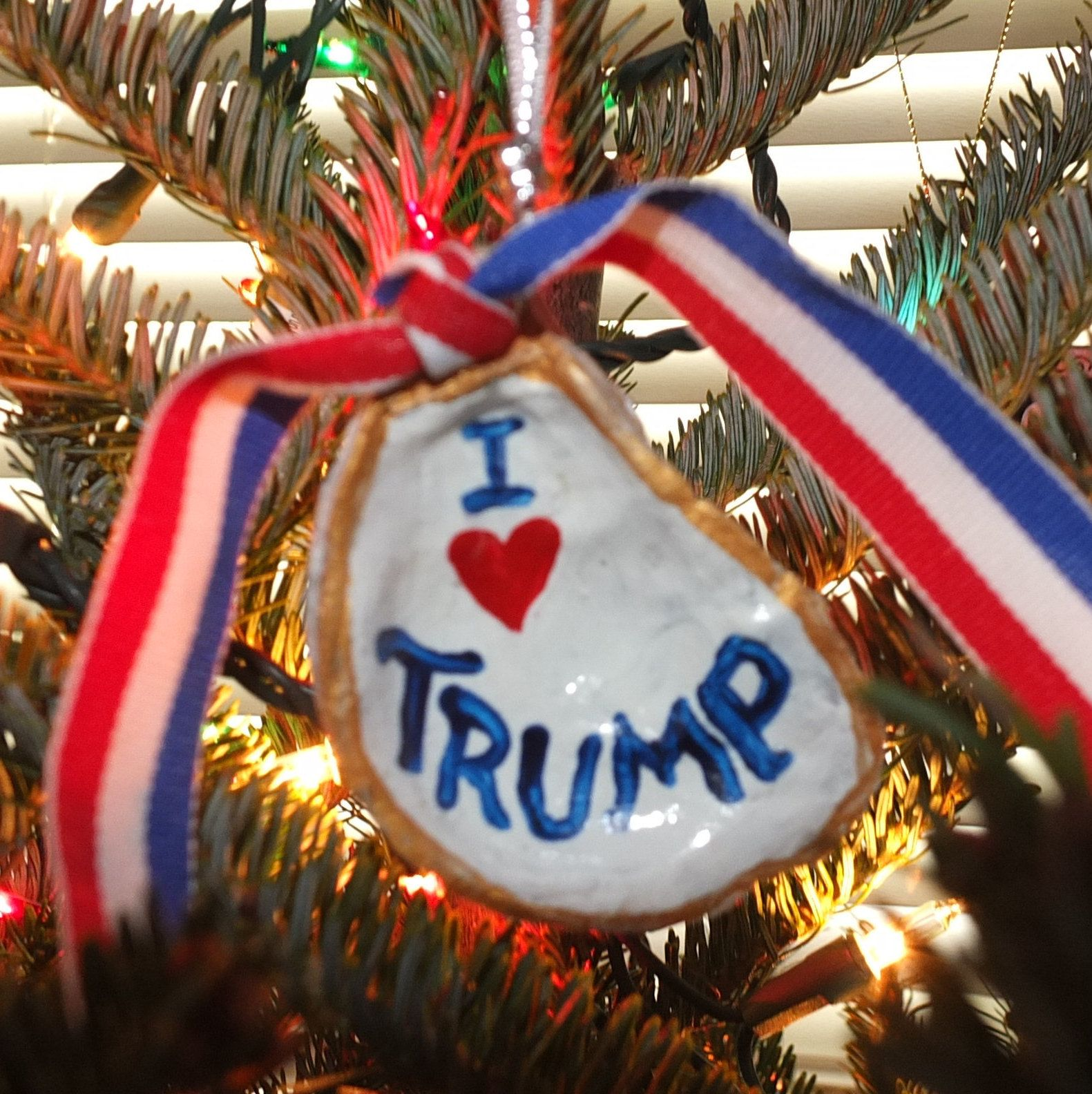 i heart trump make america great again oyster ornament hand painted ready to hang support the usa by everyonedesigns by everyonedesigns on etsy
