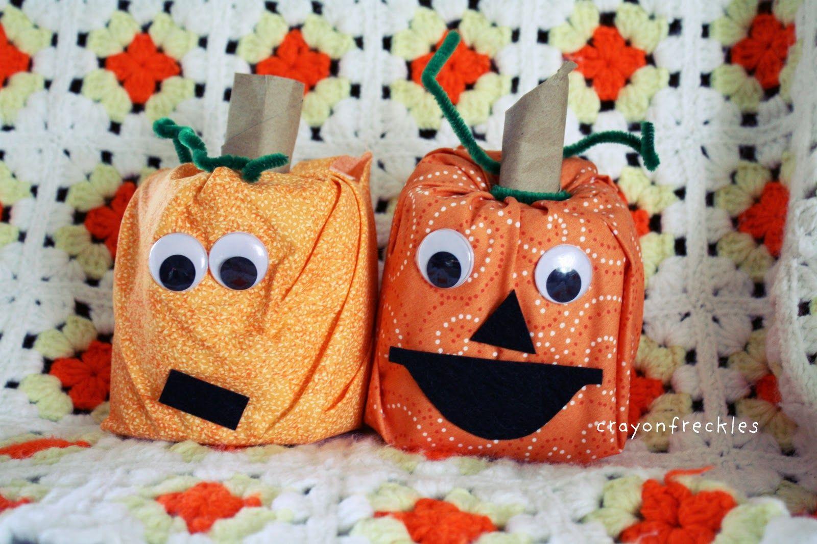 Toilet Paper Halloween Pumpkin Bud S