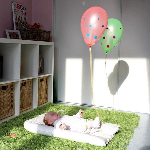 espace et activit s d 39 veil pour b b 0 3 mois b b. Black Bedroom Furniture Sets. Home Design Ideas