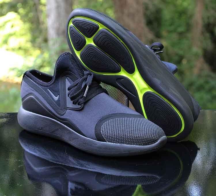 501314c6652f85 Nike LunarCharge Essential Triple Black Volt 923619-001 Men s Size 9  Nike   RunningShoes