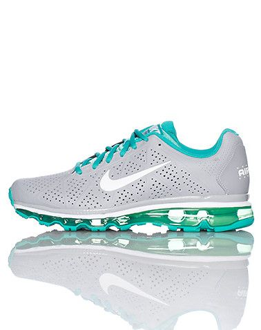 NIKE Lace up front closure Contrasting colors Clear sole bubble Padded  tounge with logo Nike swoosh
