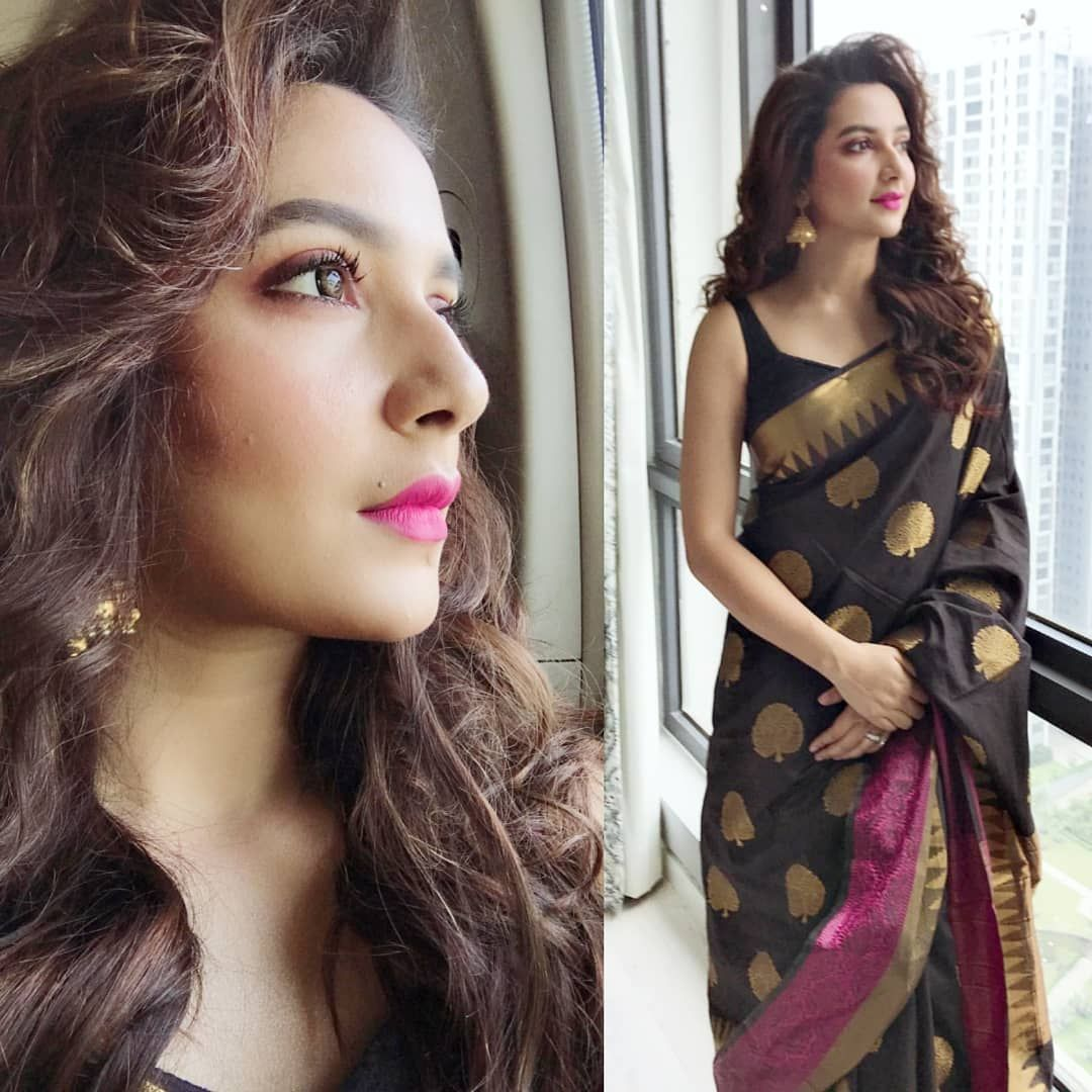 Bengali Traditional Look Inquiries Abhisheksahaphotographer Follow Tollyplanetbangla For More Up Saree Hairstyles Bengali Saree Indian Wedding Gowns Stylish selfie poses ideas for stylish girls. bengali saree indian wedding gowns
