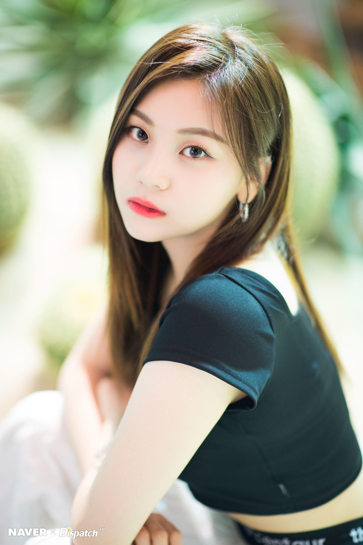 Pin Oleh Idolpics Di Gfriend Di 2020 Selebritas Gadis Cantik Kecantikan