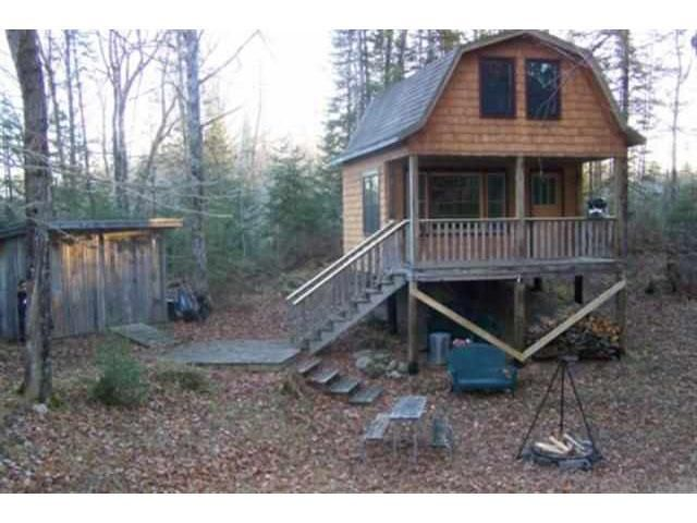 Small And Secluded Living | Favorite Places & Spaces | Secluded