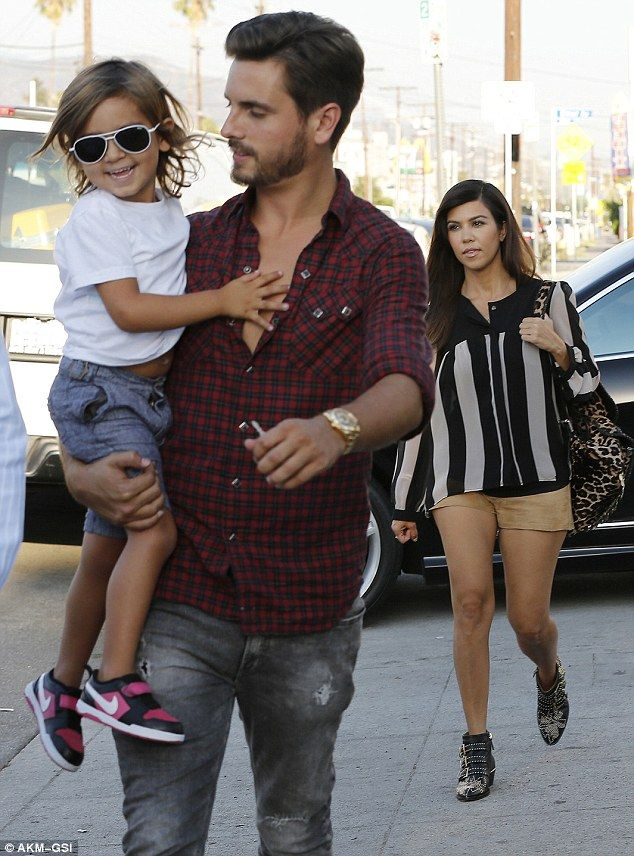 Not again, m'Lord! Scott Disick posts another bad taste ...