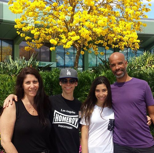 Photo Cameron Boyce With His Family At Epcot March 14 2015 Cameron Boyce Cameron Boyce Girlfriend Cameron Boyce Family