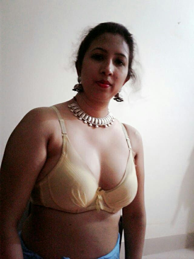 Pin By N Hasan On Desi Hot Aunties  Indian Girls, Tamil -5966