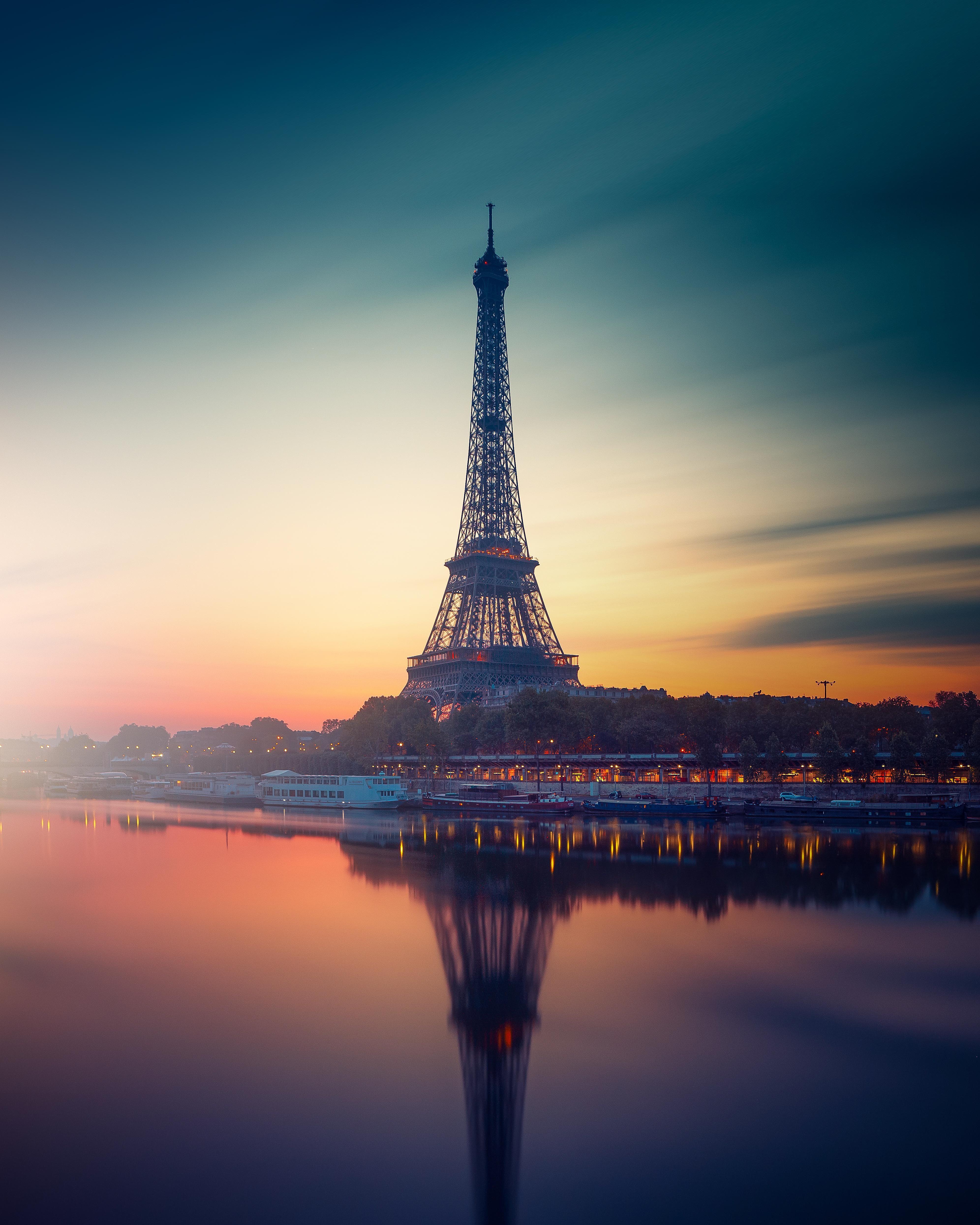 Beautiful Sunset Near Eiffel Tower In Paris Paris Eiffel