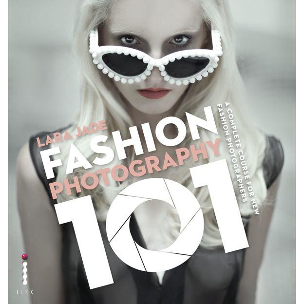 Deze zou ik nog wel willen hebben! Fashion Photography boek van Lara Jade, geweldige fashion fotografe :)