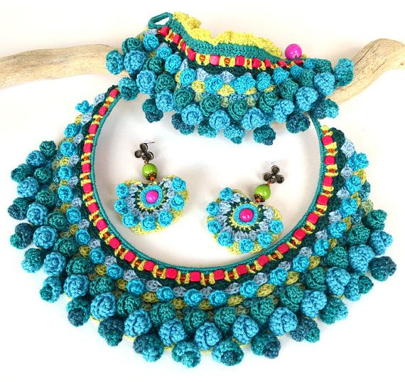 crochet jewelrychunky crochet necklaceturquoise by Marmotescu