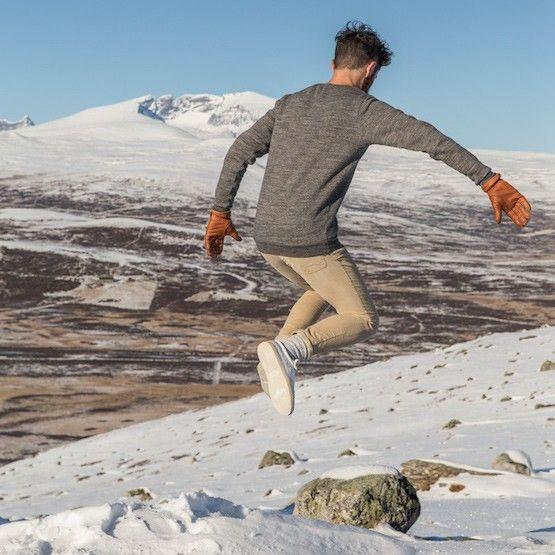 22afd95c4de96 Pantalon beige en velours français pour homme - BonneGueule - Doux et chaud  pour l'hiver