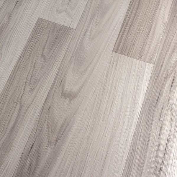 Kronoswiss Noblesse Elegance Light Oak Laminate Flooring Offers A Wood Inspired Look But With The Benefits Of Laminate