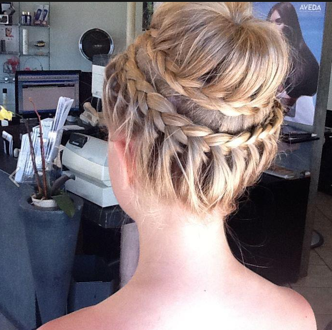 Best 25 Fancy Buns Ideas On Pinterest Prom Buns Easy