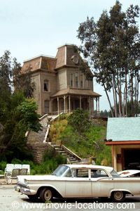 Filming Locations For Alfred Hitchcock S Psycho 1960 In Los Angeles And Arizona Filming Locations Movie Locations Universal Studios Hollywood