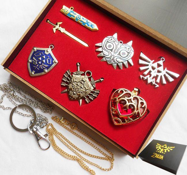 Legend of Zelda Mask Keychain Gold