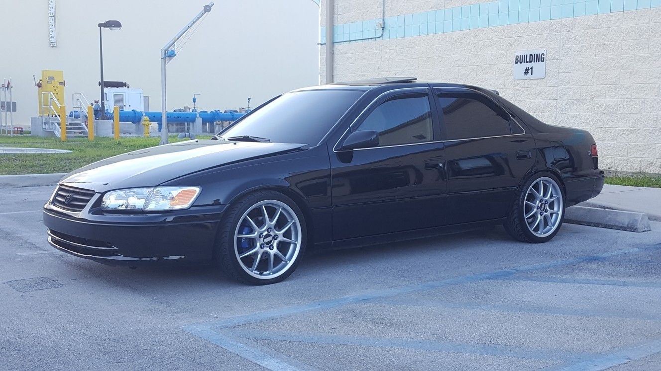 hight resolution of stance camry