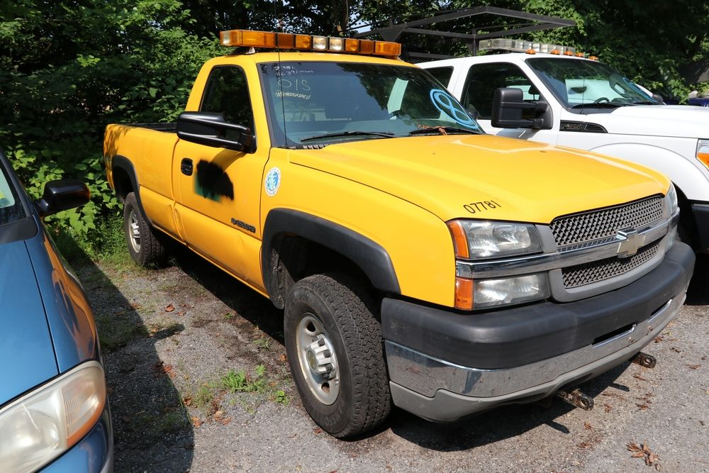 2004 Chevy 2500HD Pickup Chevy 2500hd, Monster trucks