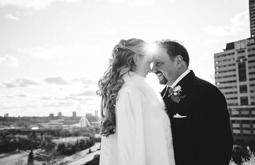 I love bride and groom photos! #veesphotos #edmonton #photographerslife #alberta #canadian #lifestylephotography #couplesphotos #weddingphotographers #weddingdayphotos #weddingphotoideas #outdoorwedding  #photographytips #photographyposes  #weddingphotos #winterwedding  #brideandgroom #bridetobe
