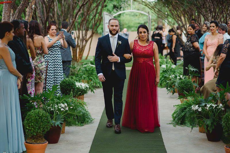 a3df74a55cbf Casamento com mão na massa - Camila e André   Casamento ENTRADA DOS ...