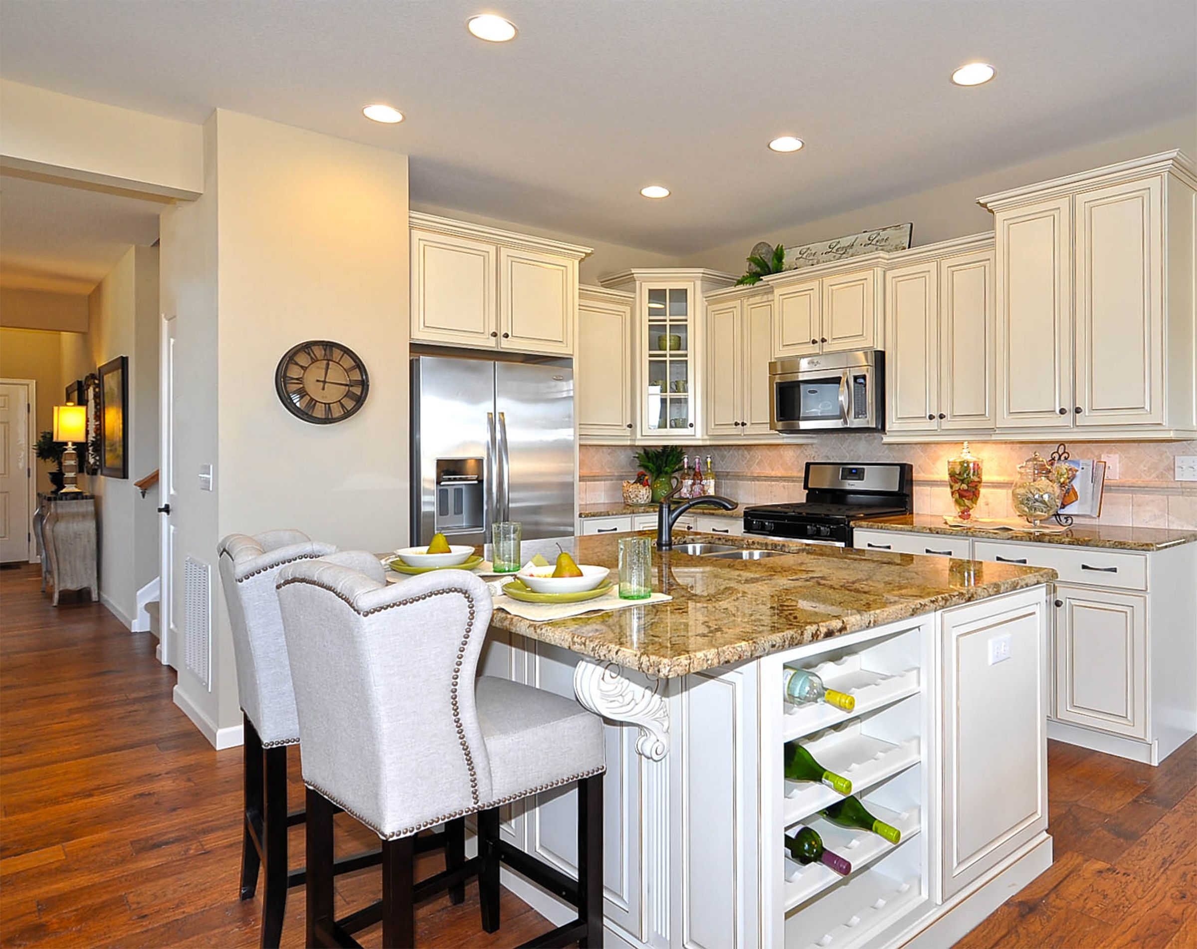 The Traditional Design Of The Kitchen In The Washington Model At