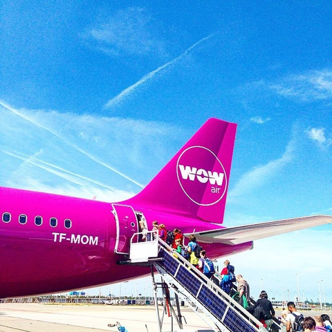 Wow Airlines Booking Phone Number 18772942845 provide