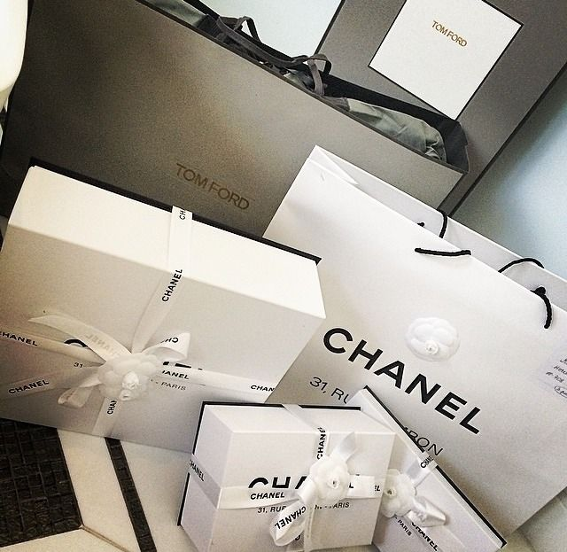 ChanelChanelista on IG. Skincare and fragrance addict.