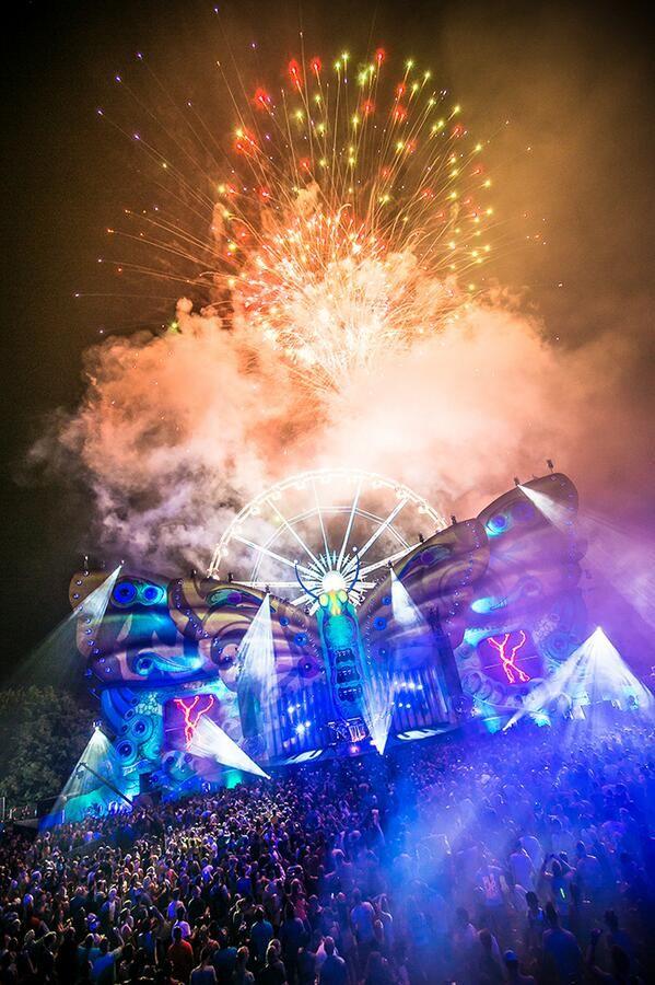 Tomorrowland On Electronic Music Festival Rave Music Electro Music