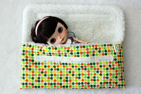 Carry case for Neo Blythe or similar dolls by dafnery on Etsy, €14.90