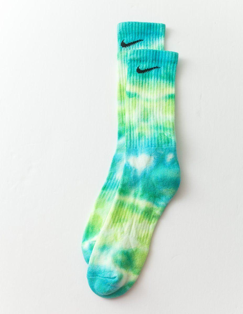 Everyday Tie Dye Socks in 2020 Tie dye socks, Tie dye