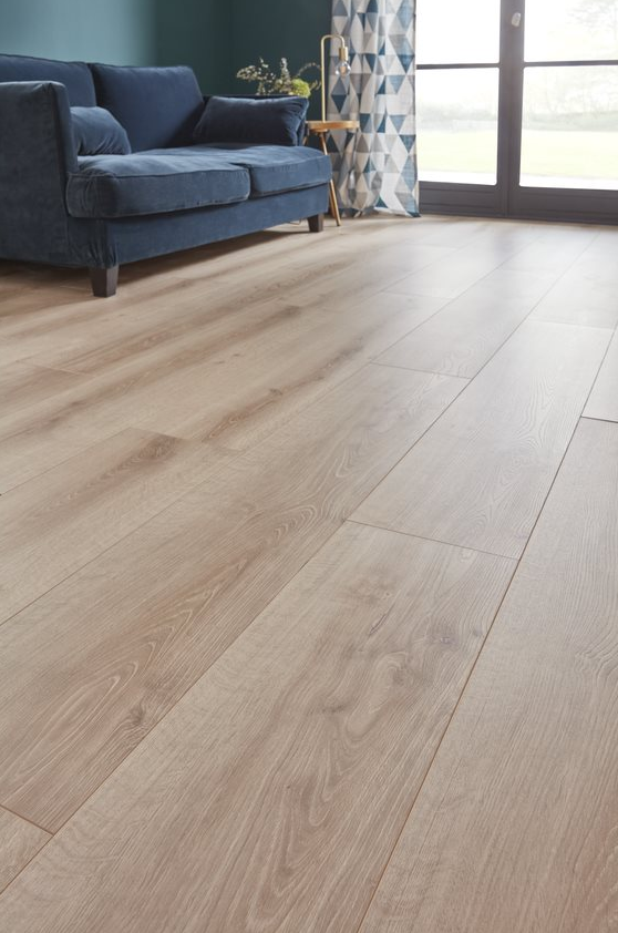 Sol Stratifie Ledbury Chene Naturel 10 Mm Vendu A La Botte