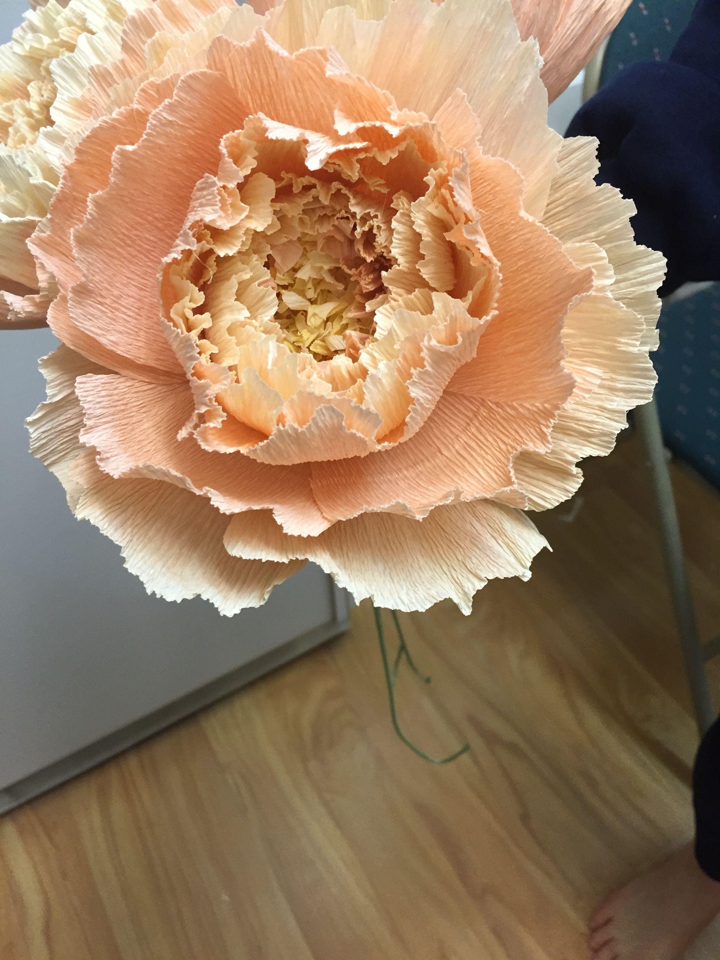 Crepe paper peony for wedding bouquet love - Pfingstrosen dekoration ...