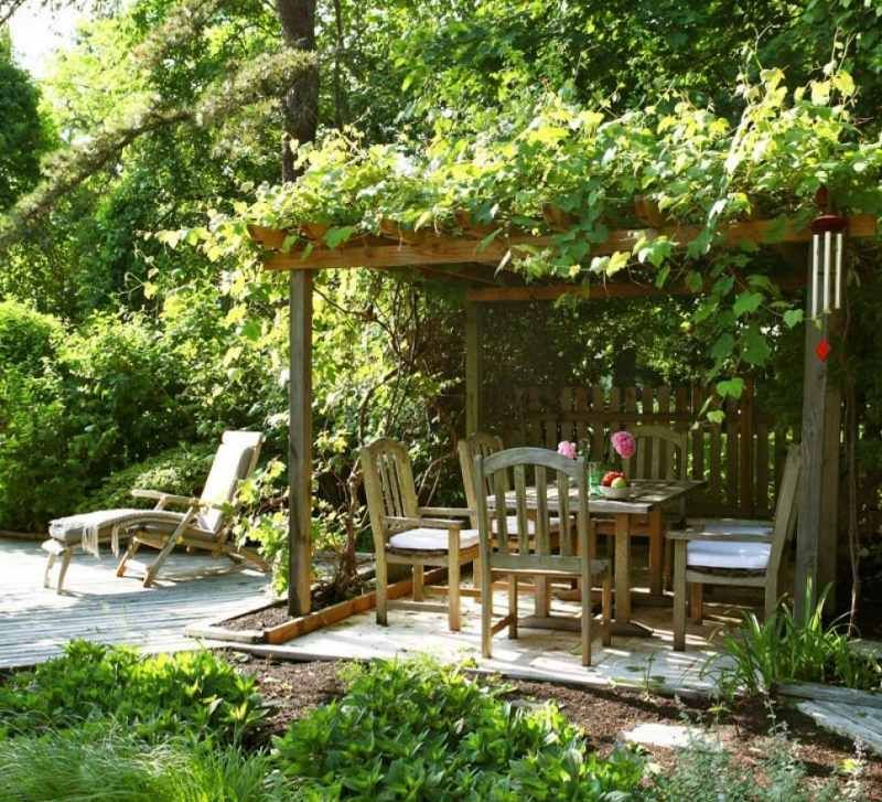 pergola bietet sonnenschutz f r die terrasse vintage garden pinterest pergola. Black Bedroom Furniture Sets. Home Design Ideas
