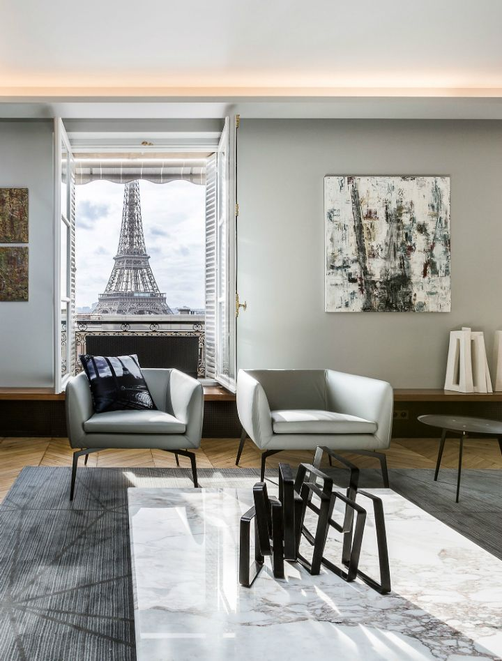 Luxury Apartment In Paris Overlooking The Eiffel Tower The Life Of