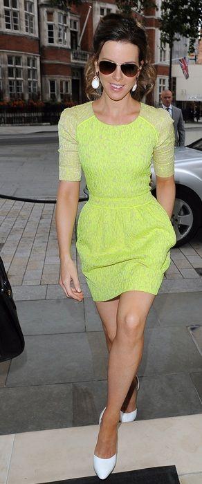 Kate Beckinsale wearing a Preen Resort 2013 Sara patterned dress & Walter Steiger Praline pumps in white.