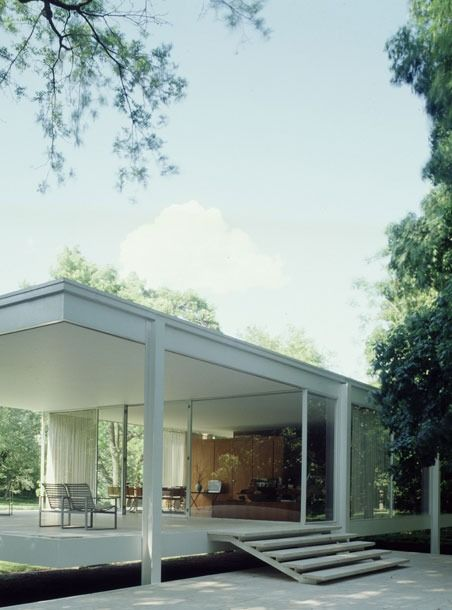 Farnsworth house designed by mies van der rohe disegno for Casa minimalista economica