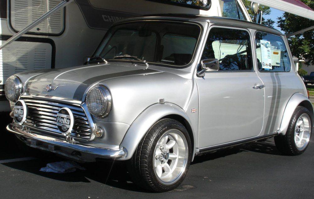 silver vintage mini cooper austin mini cooper voitures anciennes voiture et voiture anglaise. Black Bedroom Furniture Sets. Home Design Ideas