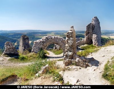 Ruined Interior Walls Of The Castle Of Cachtice Elizabeth Bathory Castle Bathory