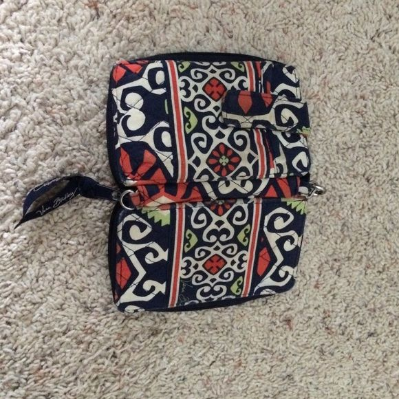 Vera Bradley Wallet! Wallet that can be used as a clutch with a slot perfect for your phone! Vera Bradley Bags Wallets