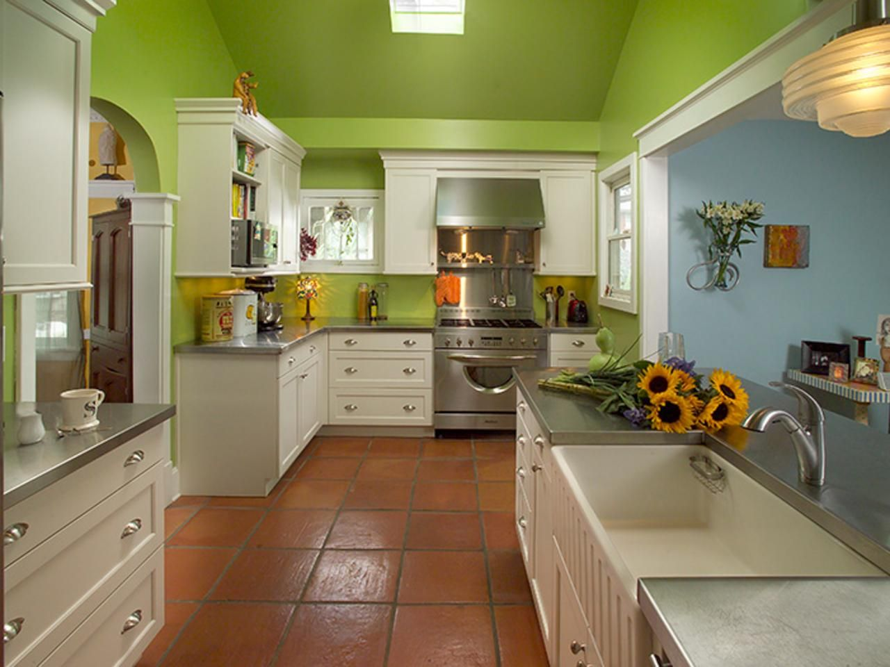 Bright Green Kitchen Makeover Green kitchen, Green
