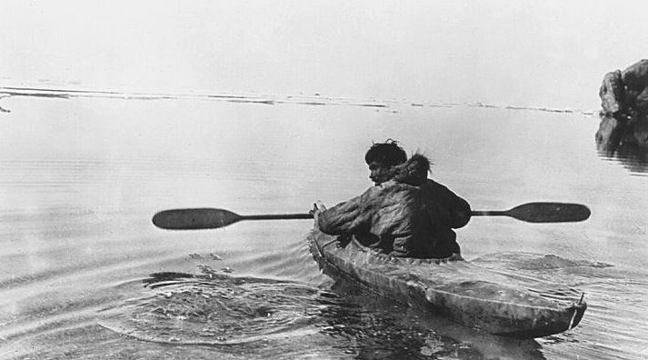 http://intellectuelbouffon.lemultiblog.com/fichiers/intellectuelbouffon/images/ kayak-inuit-gd.jpg | Kayaking, Sea kayaking, Canoe and kayak