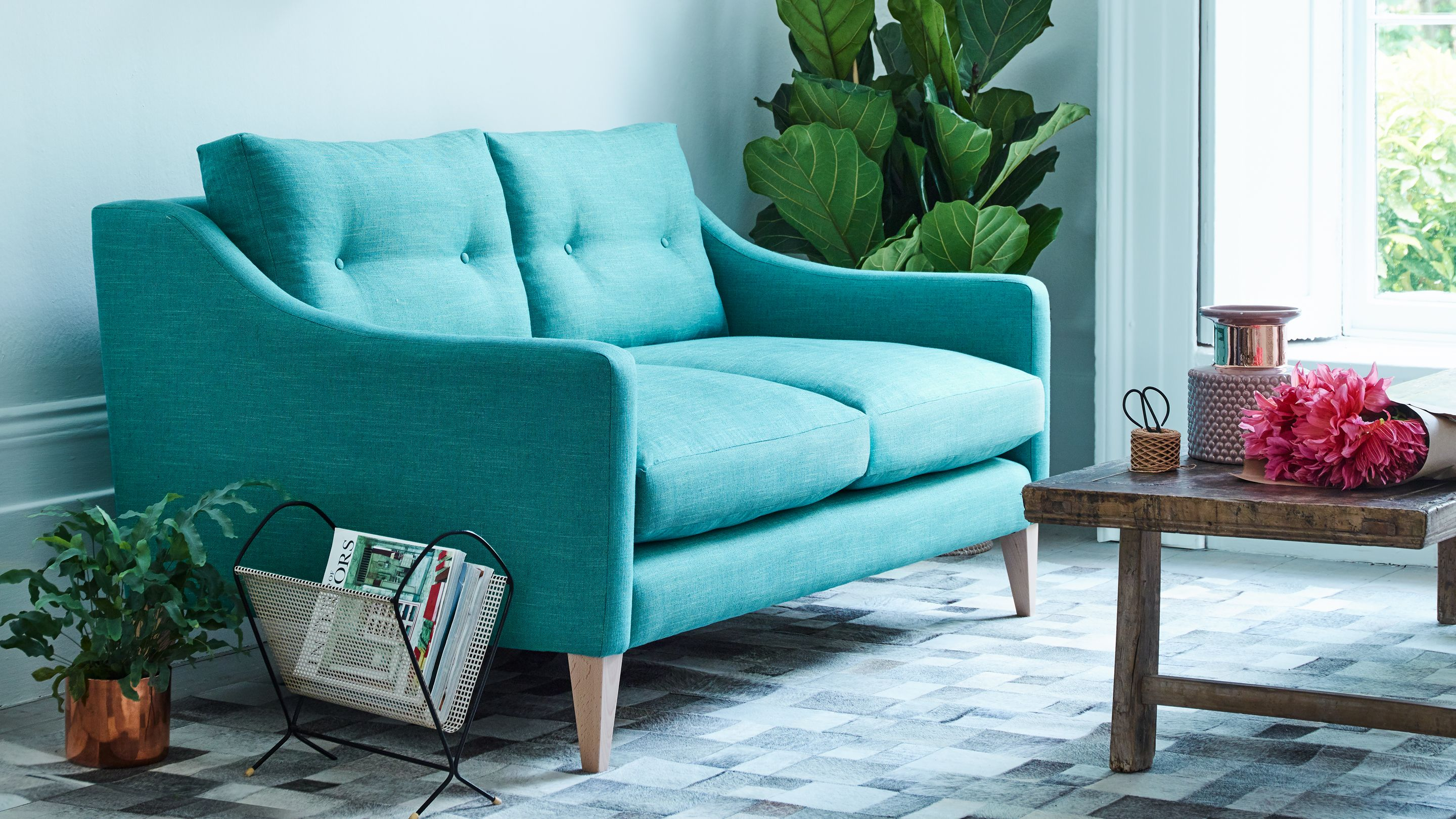 Know How The Best Compact Sofas For Small Spaces Arlo Jacob