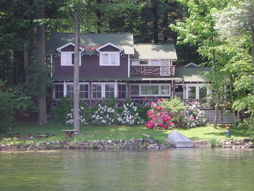 Canoeing Kayaking Swimming Campfires And Ice Skating Make This Back The Lake House Guest Cottages Of Berkshires